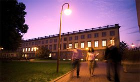 HHL bei Nacht - Leipzig Graduate School of Management