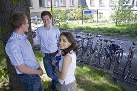Studenten auf dem Campus der HHL
